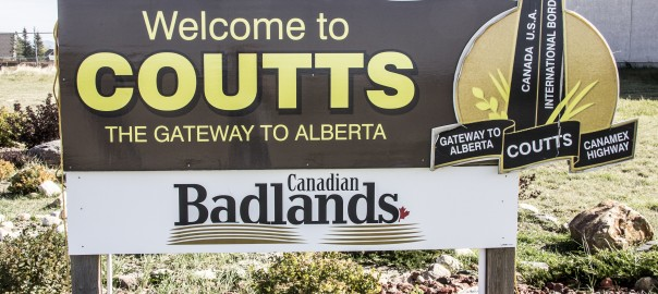 A large sign welcoming you to Coutts AB